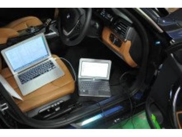 ベンツ・BMW・フォルクスワーゲン等、国産・輸入車に対応したコンピュータ診断機を完備