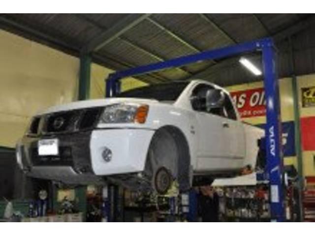並行輸入車の修理も承ります。。自社ルートでパーツの輸入も可能です