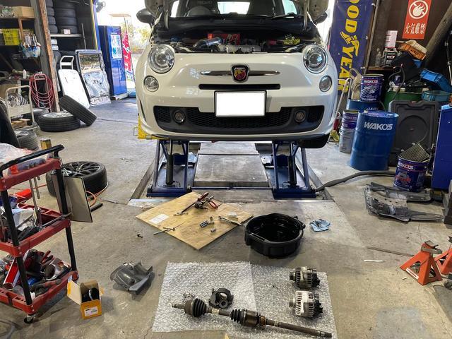 バイク関連の修理・整備・板金塗装もお任せ下さい。
