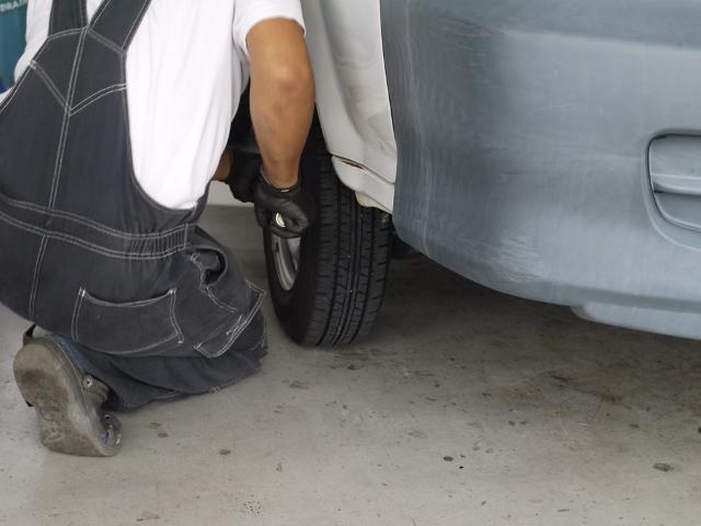 タイヤチェンジャー完備!シーズン毎のタイヤ交換もぜひお問合せ下さい。