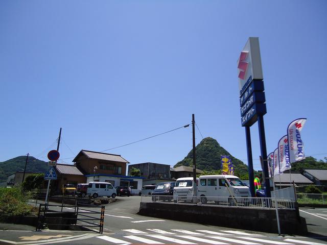 目印は、Sのマークの大きな看板です!下田駅方面からお越しの際は、ガードをくぐってすぐ左です。