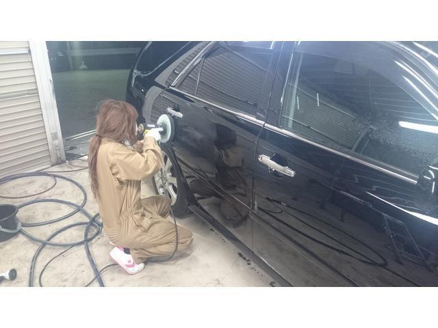 当店にはお車磨き(コーティング)にも自信があります。丁寧に、そしてピカピカに仕上げます。