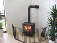 店内には【ネスターマーティン製】暖炉も完備。ぬくもりに包まれた店内でゆっくりとご商談いただけます。