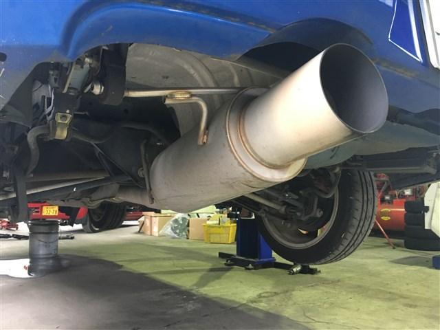 マフラーなどの排気系パーツの修理・整備・パーツ交換もお任せ下さい。