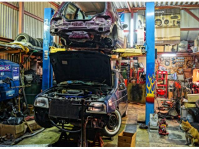 外車・新中古車等、各種メーカー取り扱い。また、カスタムのベース車のアドバイスや、コンプリートカー等