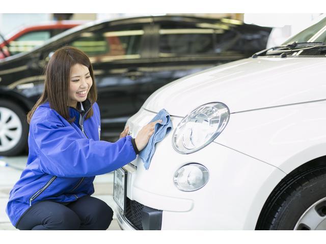 ご納車は細かい仕上を洗車仕上の専任またはお取引先様のプロと連携してご満足頂いております。