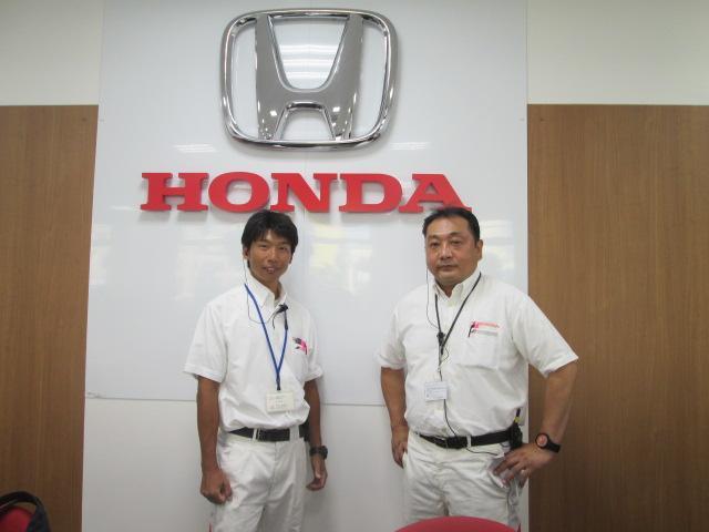 右が工場長の村川、左がサービスフロントの松浦です♪