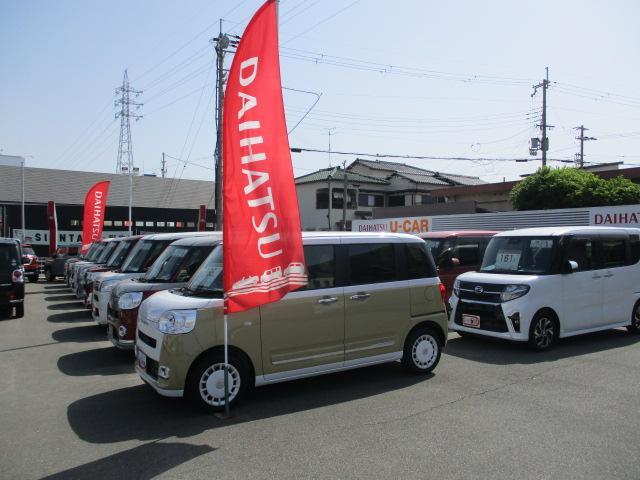ゆったりとした広い展示場に、常時30台〜40台の人気&お買得なお車を展示しております(^o^)