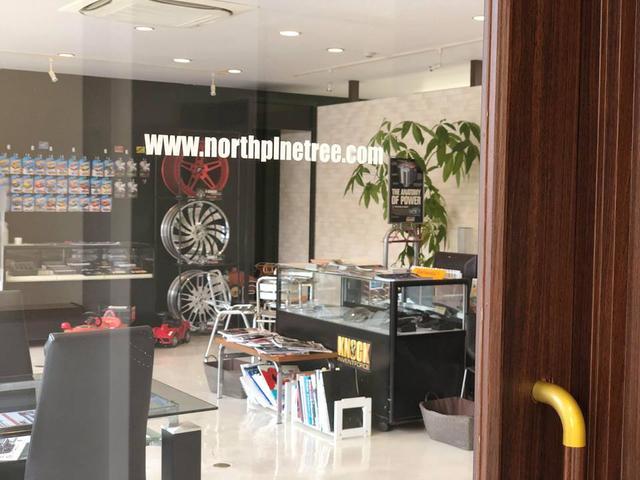 自社ブランド「KNOCK」の製品も展示しております。