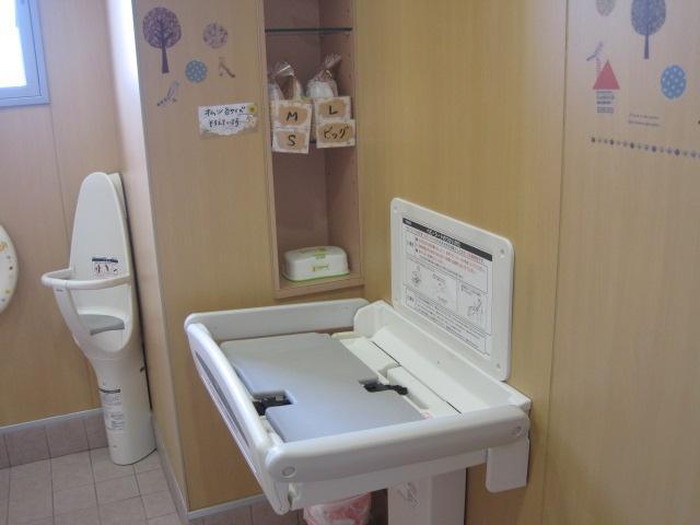 滋賀ダイハツ販売(株)U-CARハッピー愛知川店(5枚目)