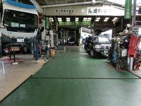 当店協力民間車検工場(橋本産機)。工場設備も充実しており、きっちり丁寧な仕事をして頂いております