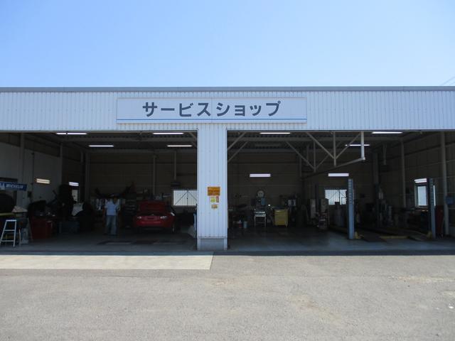 マツダサービススタッフが心を込めてお客様のお車を整備します。納車後も、お車の事はお任せ下さい!