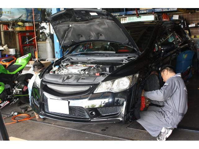 車検整備や修理は国家2級自動車整備士が責任をもって作業させて頂きます!輸入車の車検も大歓迎です!!