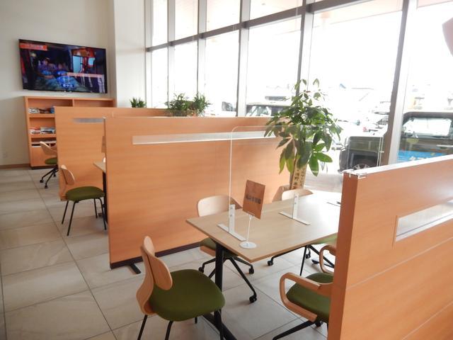 和歌山ダイハツ販売(株)U-CARラウンジ大浦店(3枚目)