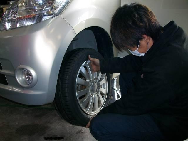タイヤやナビ等の取り付けもお任せください。