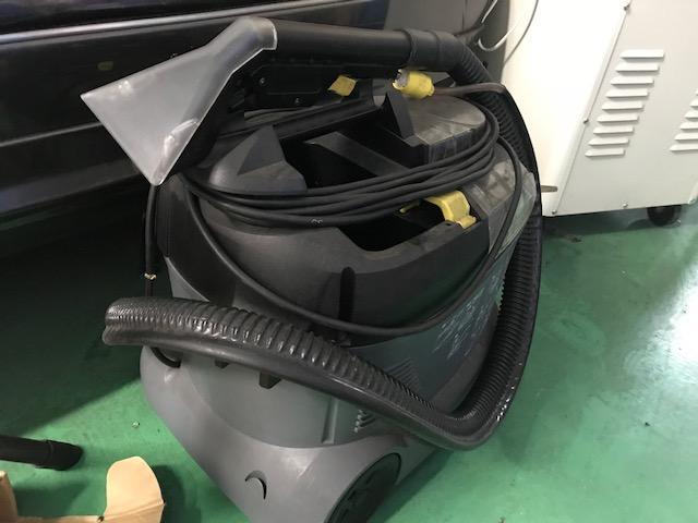 シートの根深い汚れも吸入します!