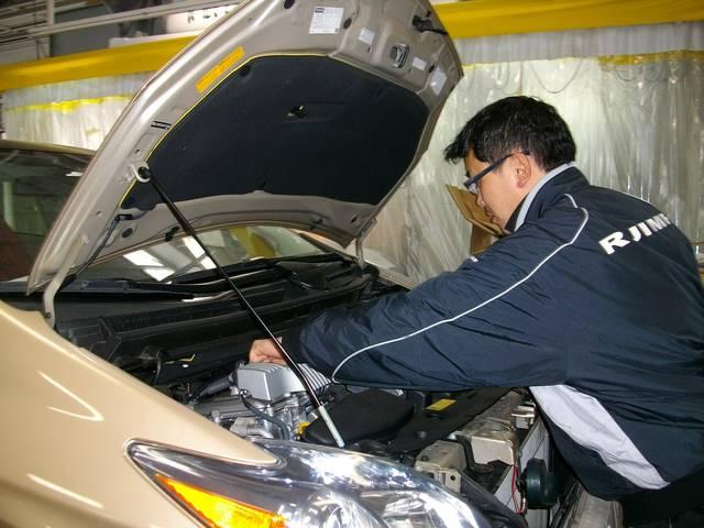 最新設備が揃う運輸局認証の自社工場で、スペシャリストによる迅速対応!