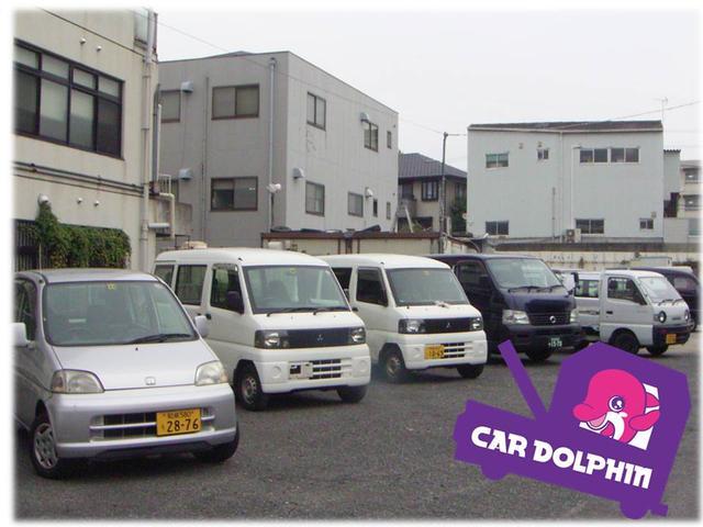 展示スペースです。駐車場、駐輪場も完備しておりますのでお気軽にお越しください!