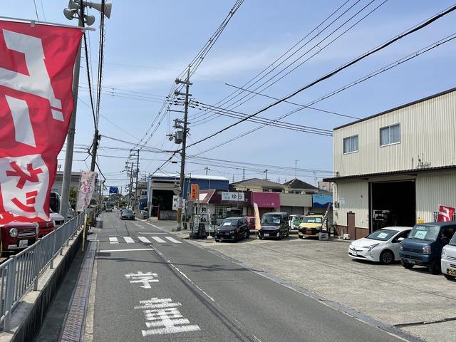 新車中古車販売から板金塗装・車検・各種保険まで車に関する業務は当店にお任せください♪
