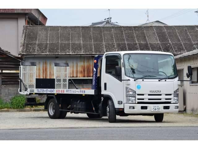 キャリアカーも所有していますので、納車時の陸送も突然のトラブルも安心!!
