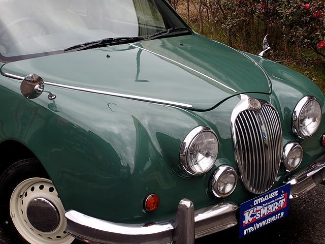 当店で販売させていただくお車は全車ガラス系コーティング&内装クリーニングを施工してから納車致します!