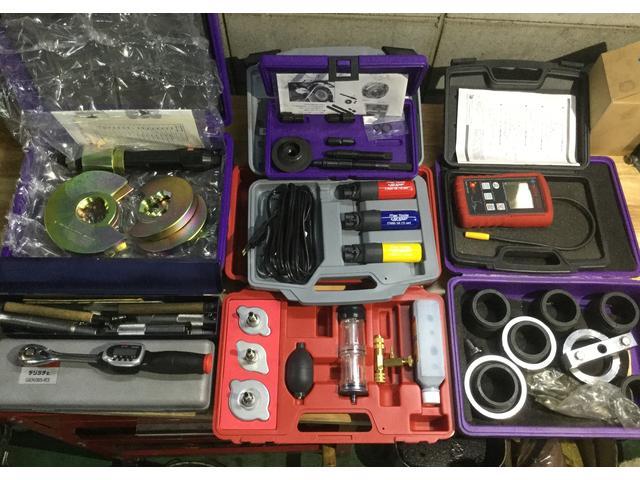 どの様なご依頼にも応えれる様に特殊工具も充実!
