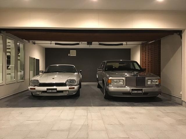修復歴の無い良質な1オーナー車や低走行車両、稀少性の高い車のみを厳選仕入し、店頭にて販売しています。