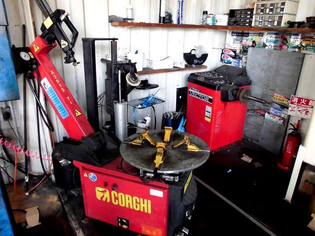 ホイールサイズ20インチ対応タイヤチェンジャー設備