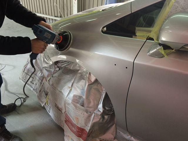 お車のキズやへこみ、板金修理もお任せください