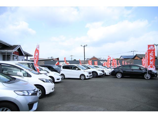 展示場には、常時150台の展示車が並んでます。また、グループの総在庫はなんと300台越!