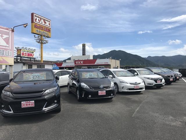 常時150台ほどの在庫(軽、セダン、SUV~ミニバンまで)幅広く取扱しています。