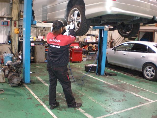 当社は運輸局指定工場を完備しておりますので、車検・修理も安心です。アフターフォローも万全!!
