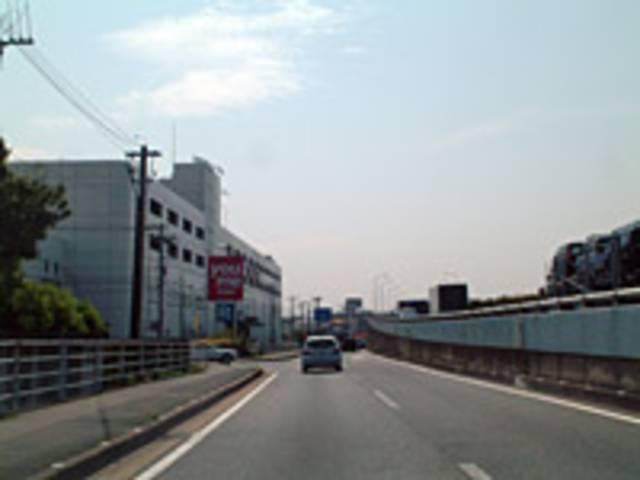 国道3号線バイパスを久留米方面に直進。『針摺』交差点(ゆめタウン筑紫野)から左折。