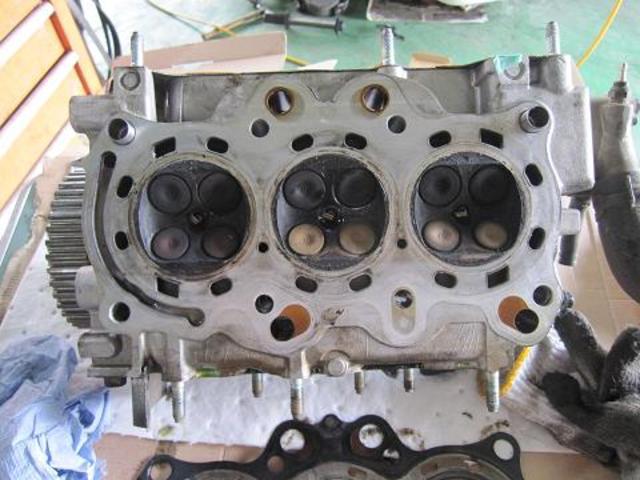エンジン載せ換え等の重整備にも対応しています。