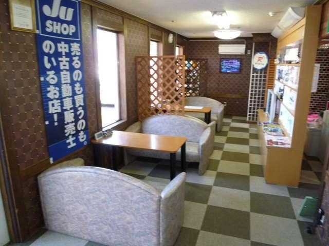 JU加盟店で中古自動車販売士も在籍しているので安心してご相談下さい!車検、整備、保証や鈑金塗装まで!