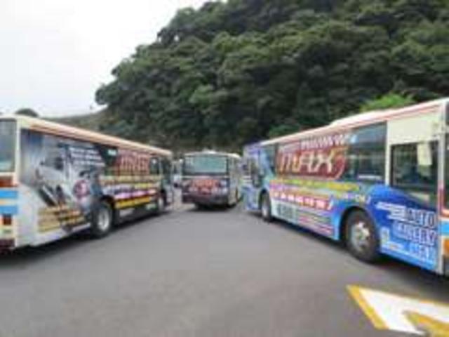 広告用にラッピングした車両が佐世保市内を毎日運行中です。