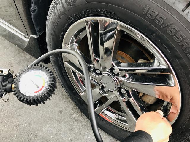 タイヤの空気圧・溝もチェックしますよ