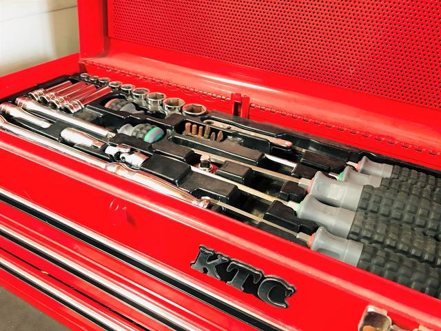 プロが使用する専用工具を完備