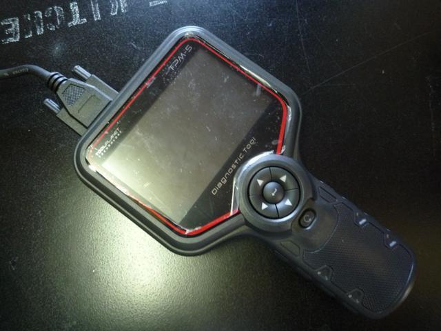 2級整備士がお客様の大事なお車を、丁寧に整備致します。