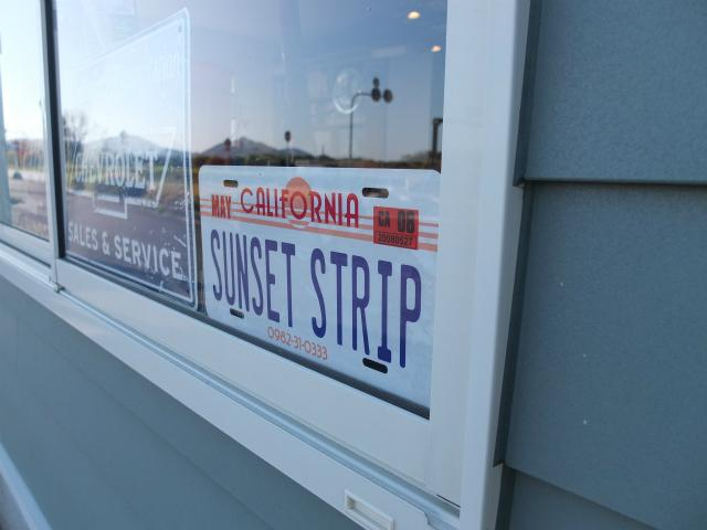 「Sunsete Strip Garage」はアメ車、日本車などの販売、メンテナンス、車検他。