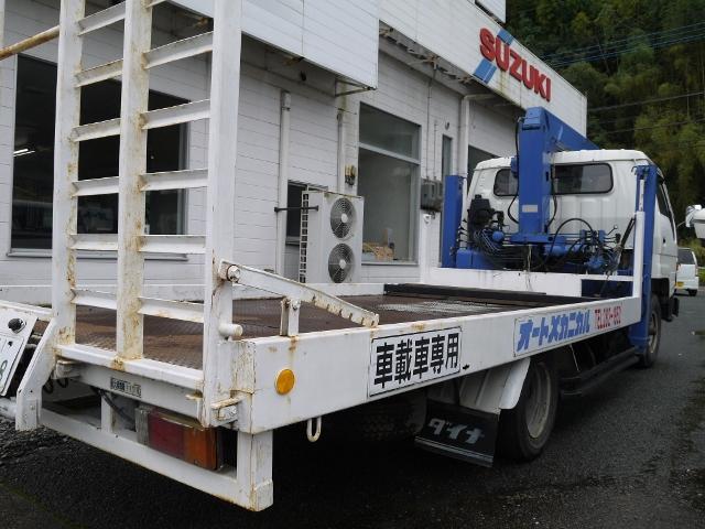 大型の積載車も完備!万が一のトラブルにも対応できます。