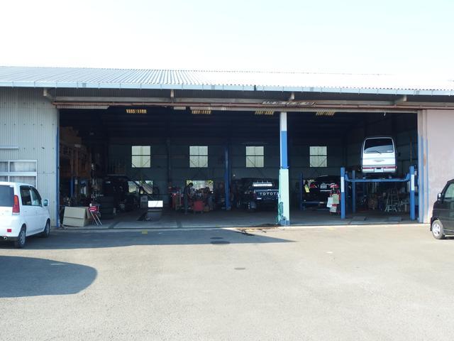 弊社の在庫は全て納車時にこの自社指定民間車検工場で車検や整備を行います!