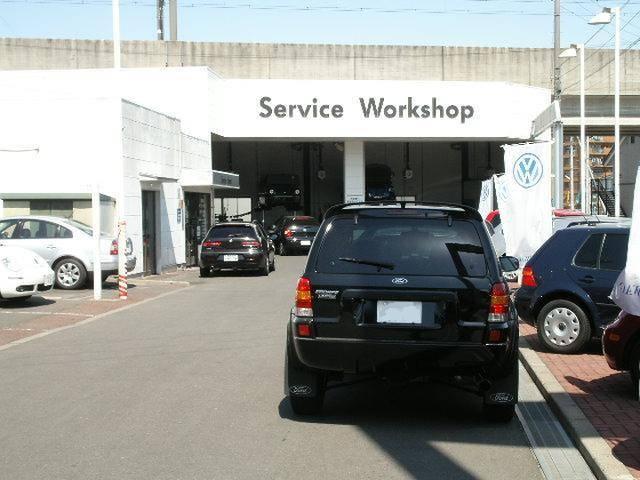 整備工場と隣接しておりアフターサービスもバッチリです、点検、整備、車検、塗装、相談してください。