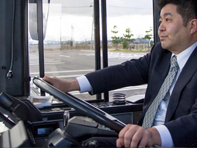 運転はベテランスタッフが担当いたします。安心・快適でリーズナブルなプランをご提案させてください。