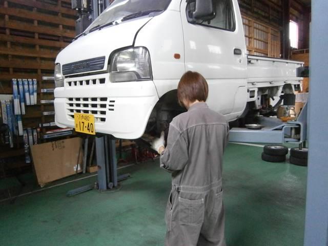 タイヤ組み換えは1台4320円からになります。お電話にてお問い合わせ下さい。