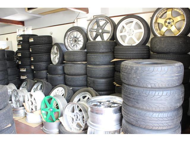 タイヤ・ホイール販売もしております。