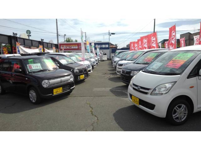 常時展示車100台!全国共有在庫も豊富ですので、ご要望のお車をお探しするお助けもできます!