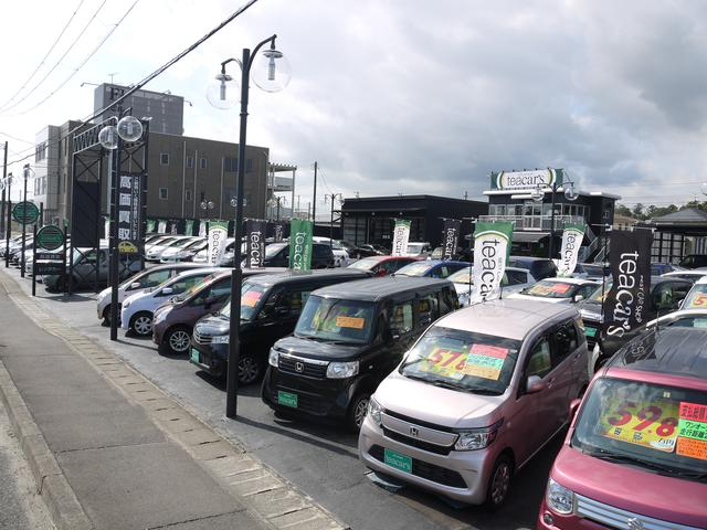展示場にはコンパクトカーやミニバンを中心に、軽自動車などの幅広い車種を在庫。車両の比較も可能です!
