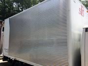 トラック架装のアルミバン修理