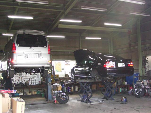 自社認証工場完備!輸入車全メーカーはもちろん、国産全メーカーの車検整備・修理・点検も致します!